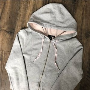 Forever 21 Cropped Hoody Sweatshirt Zip Sweater